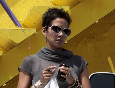 pics of halle berry hairstyles. Halle Berry Hairstyles 2011
