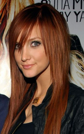 Trendy Red emo hairstyle for girls.