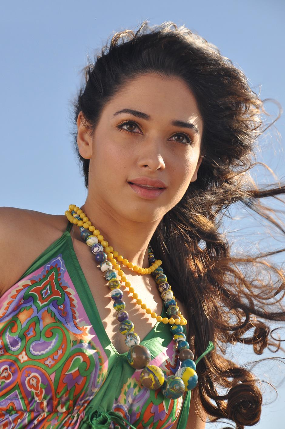 HQ Collections: Sura Movie Thamanna and Vijay Latest Images