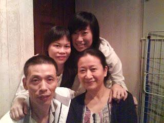 (後)文姐與我, (前)小七與媽媽
