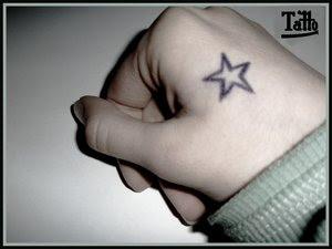 Yıldız şeklinde dövme modelleri