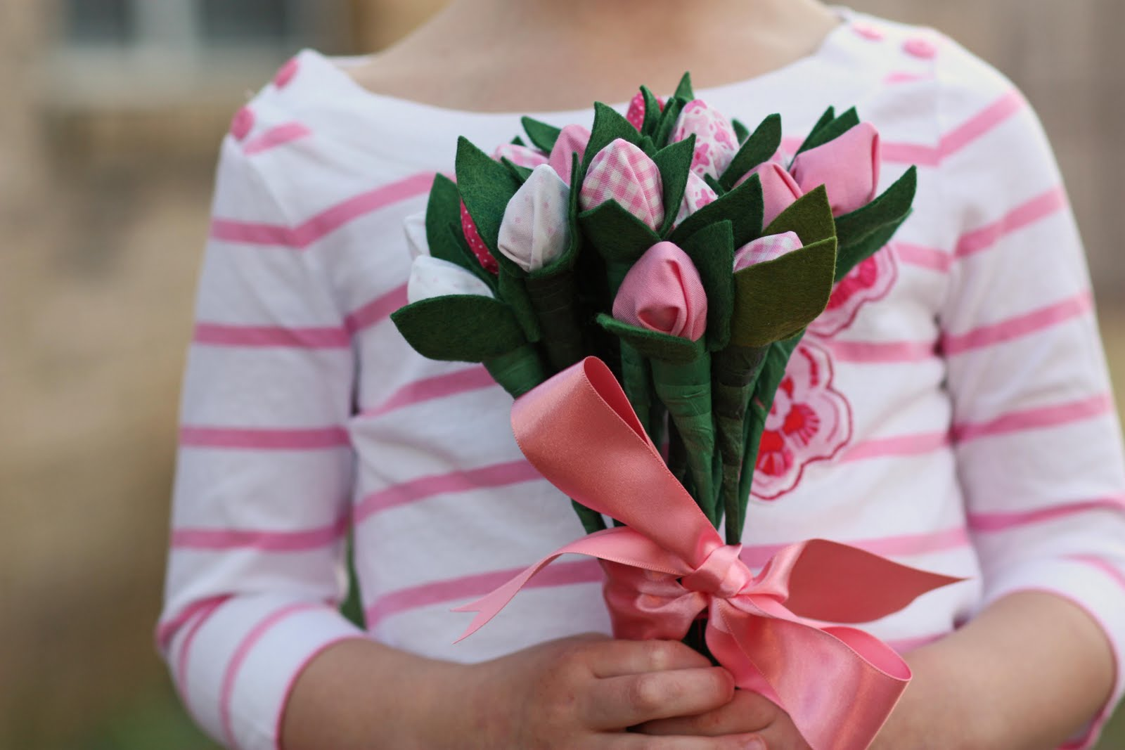 Цветы своими руками женщине