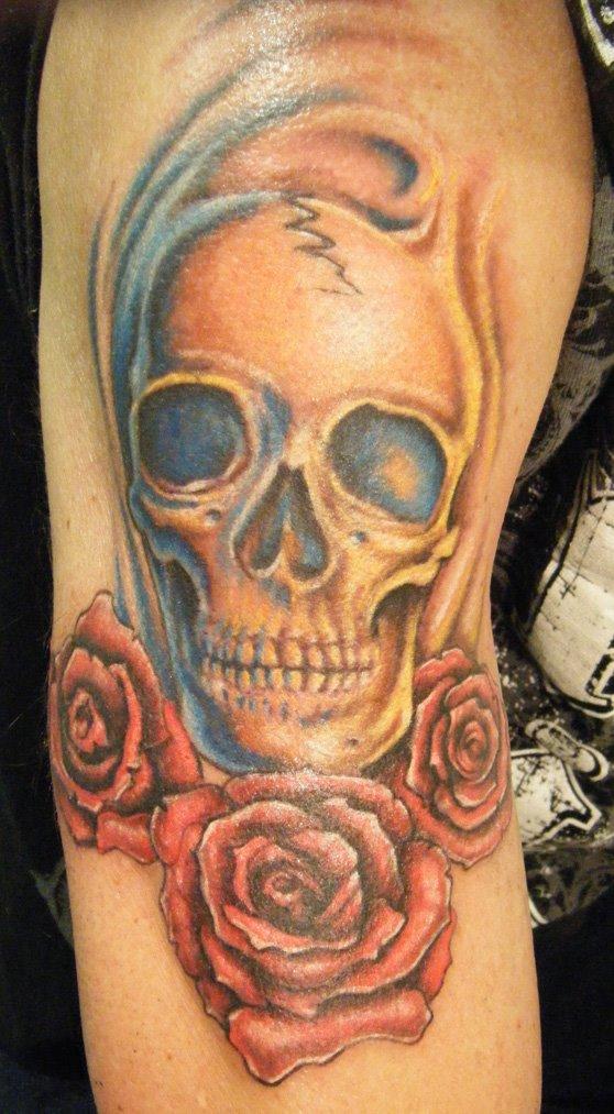 [skull+&+roses+tattoo+blog]