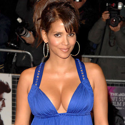 Halle Berry Cleavage Pictures