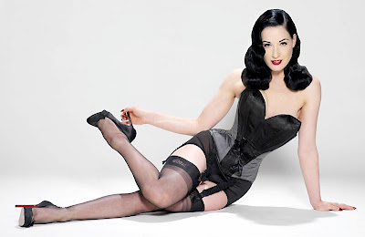 The sweet face of Dita Von Teese Gallery