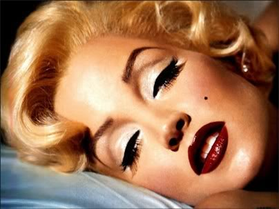 Classic Pin Up Makeup. bold lip is the pin up eye