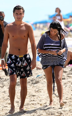 Kourtney kardashian pregnant pictures 7