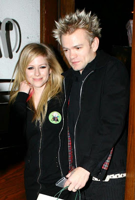 Avril Lavigne is Divorcing Deryck Whibley photos