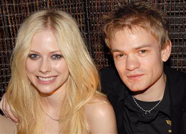 Avril Lavigne is Divorcing Deryck Whibley
