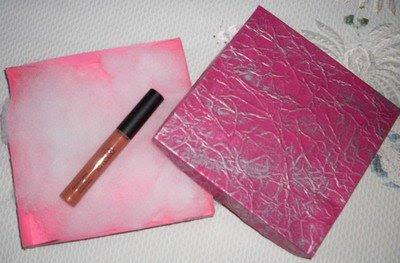Gloss da Racco na embalagem fofa que a Amanda enviou