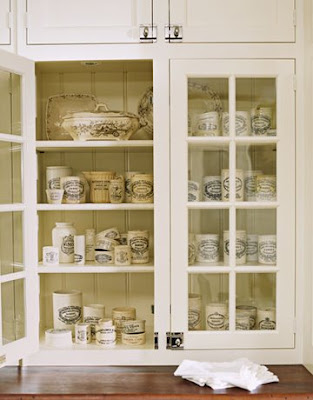 White Kitchen Cabinet Pictures on Willow Decor  My New Butler S Pantry   Before And After