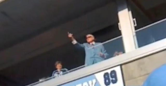 Tennessee Titans Old Owner Bud Adams Flipping Birds Repeatedly