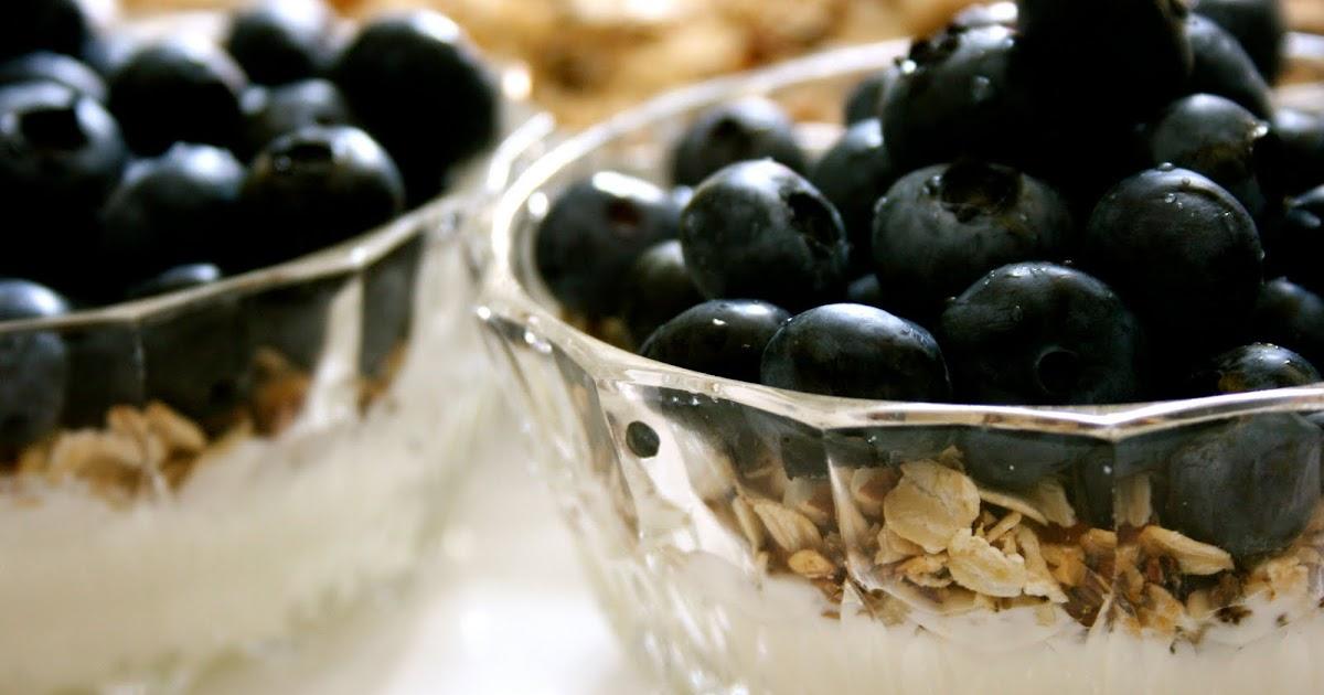 VesterbroCooking: Yoghurt med Mysli og Blåbær