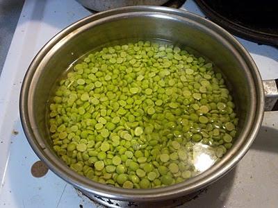 Peas Soaking