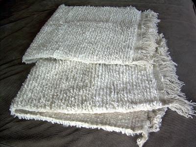 2 bajadas de cama blancas