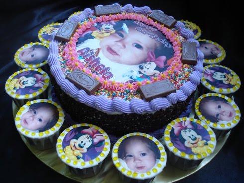 Anis Magic Fingers Latest Birthday Cake Style
