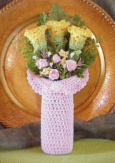 crochet bouquet rose flower vase pink