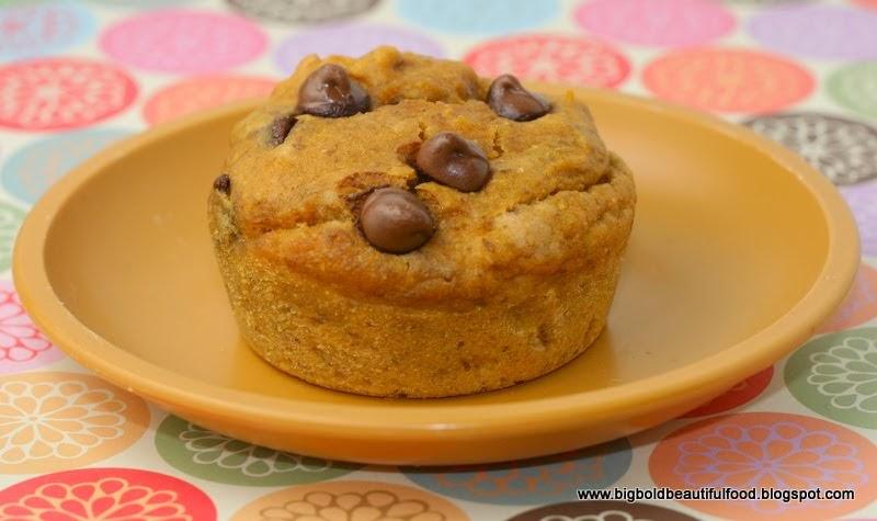 Big, Bold, Beautiful Food: Pumpkin Chocolate Chip Muffins