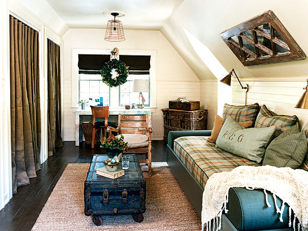 Loft cottage under the eaves for Eaves bedroom ideas