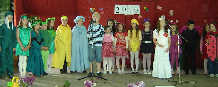 Carnavalul florilor-clasele I-II, premiul II, înv. primar, la Festivalul de teatru al școlii-2010