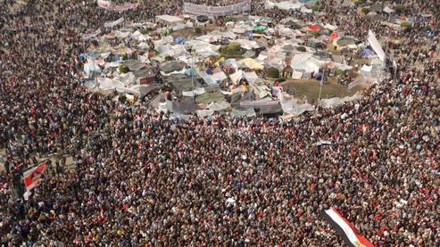 http://1.bp.blogspot.com/_tdsdIKdhFt8/TVGB6OzG80I/AAAAAAAAELg/ci471rXnDUI/s1600/place+tahrir.jpg