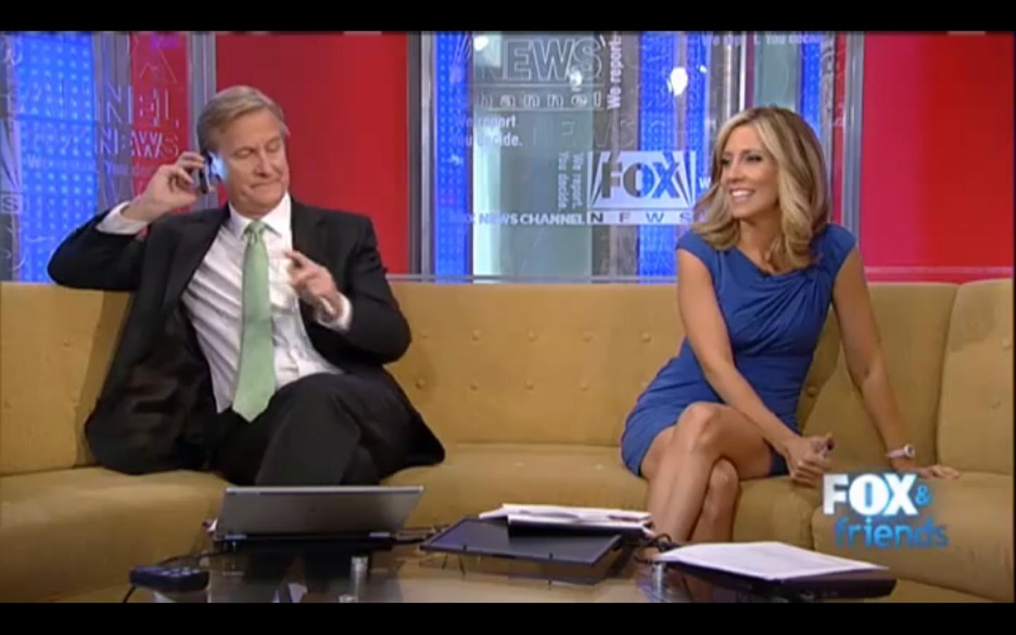 More Alisyn Camerota legs on the Fox & Friends couch