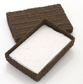 box made from cloves, filled with note paper