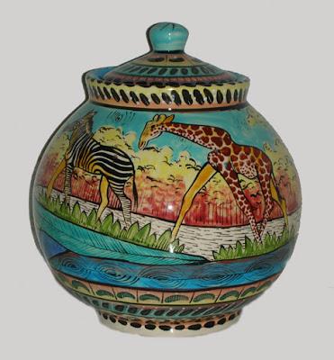 Penzo pot with zebra and giraffe