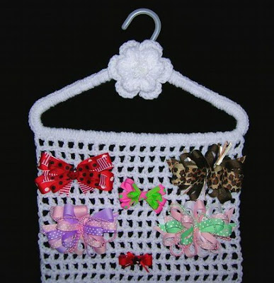 crocheted hair bow orgnizer