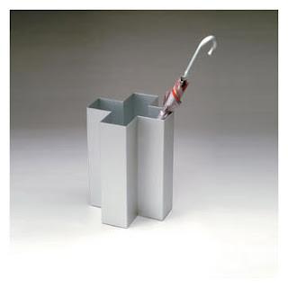aluminim umbrella stand shaed like swiss cross