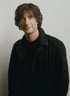 Neil Gaiman, wearing black