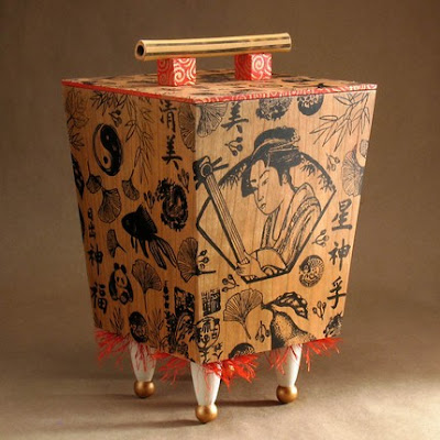 box with gingko leaves and other Asian elements