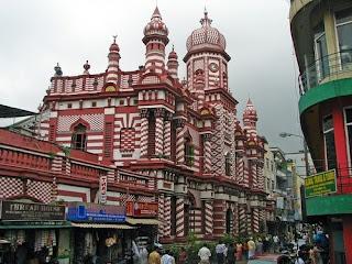 Masjid Brilliantly Painted, Srilanka