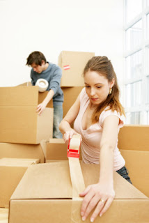Упаковочные материалы и картонные коробки для переезда.