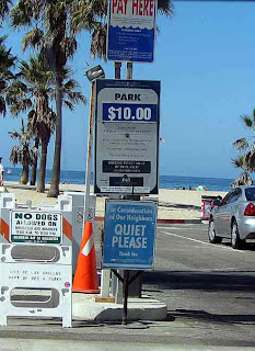 beach parking Venice CA Sept 9 2007 (c) David Ocker