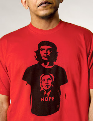Obama wears t-shirt showing Che Guevara wearing an Obama Hope t-shirt