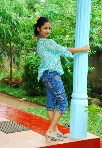 http://1.bp.blogspot.com/_tlxLKFZiFB8/TKC8p8uQEoI/AAAAAAAAB7w/5bKawpvDLmo/s1600/pramudi+karunarathne9.jpg