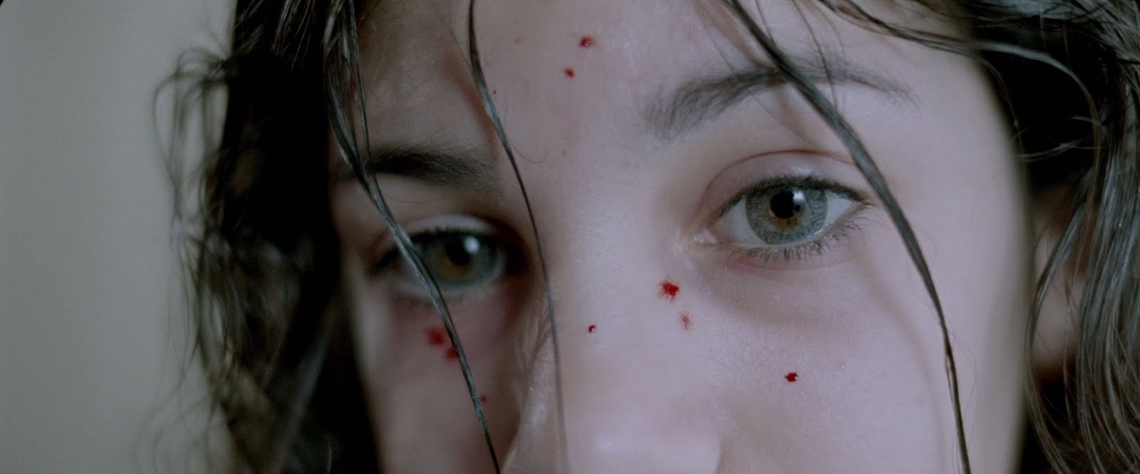 LET THE RIGHT ONE IN REVIEW EMPIRE