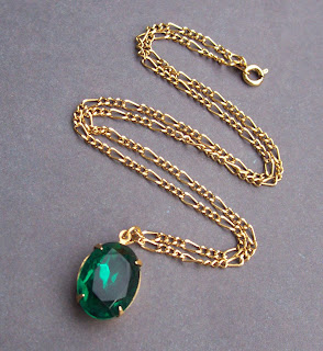 vintage glass jewel necklace emerald green gold glam by Two Cheeky Monkeys on Etsy