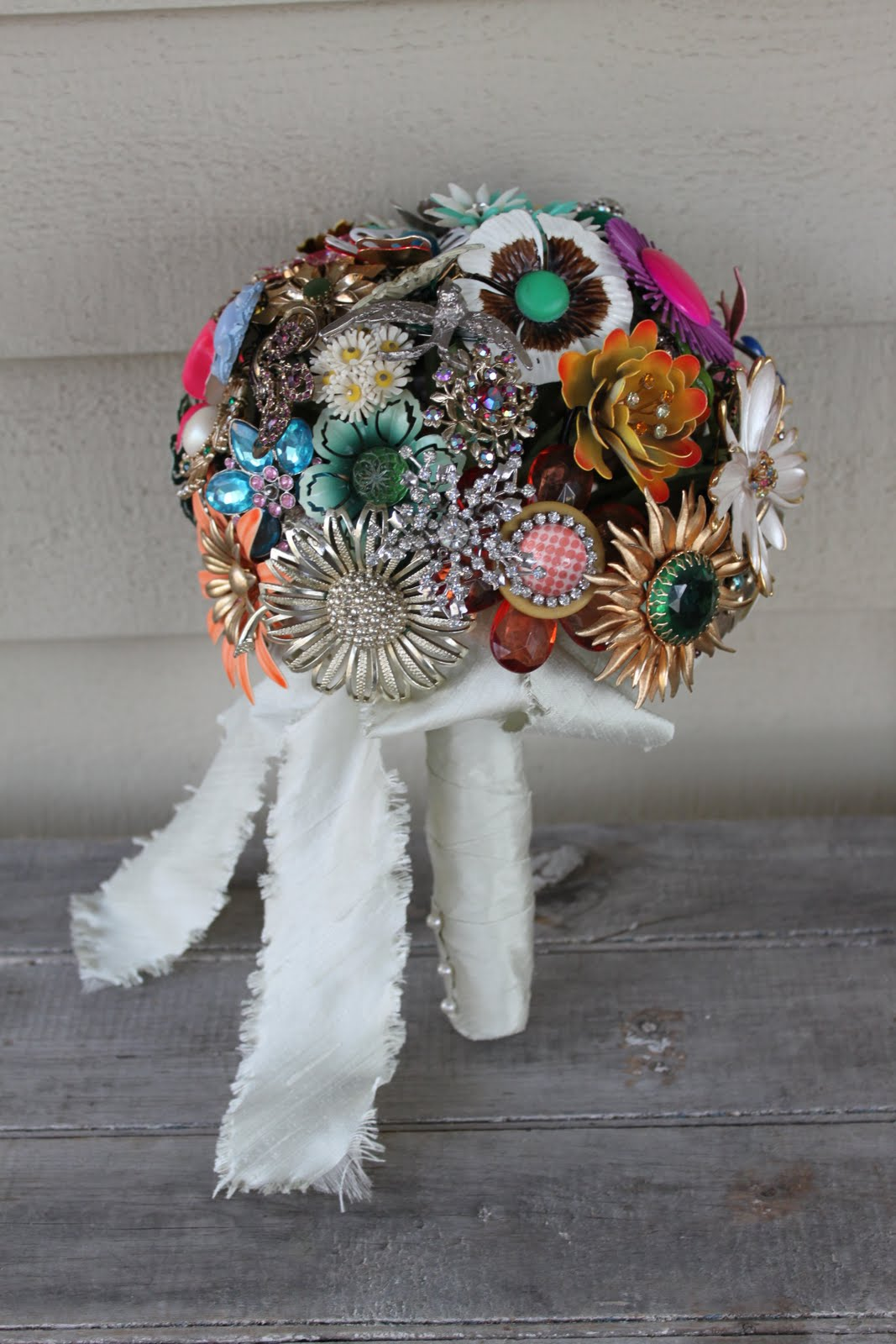 vintage brooch bouquet how to make