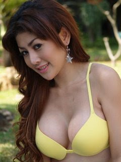 http://1.bp.blogspot.com/_tofE9obNpXc/SccV0tu50VI/AAAAAAAAAAM/n_Ds0Zbmydk/s320/indonesian-girls-gadis-indonesia-0-elsa-krasova-20-731566.jpg