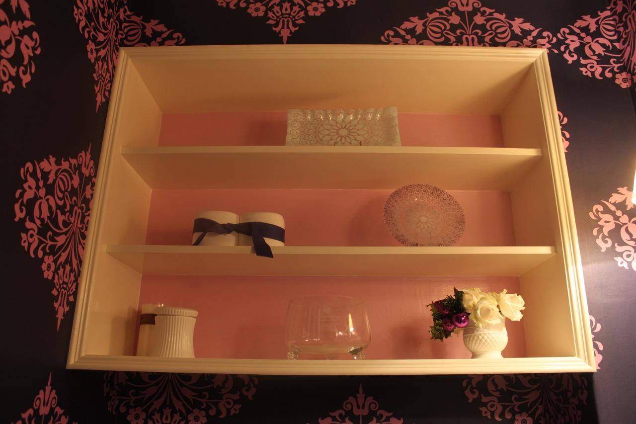 http://1.bp.blogspot.com/_tpNJunqWZSI/TQGPaWMOXwI/AAAAAAAAE5I/g5EBwgMvNP0/s1600/vbathroom.jpg