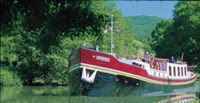 Charter the luxury French Hotel Barge ALOUETTE along the canal du midi in the south of France with ParadiseConnections.com