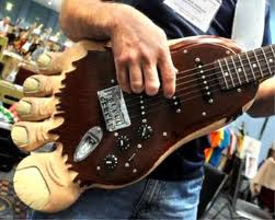 guitarra-legal-guitar-cool-diferente-awesome-p%25C3%25A9-foot