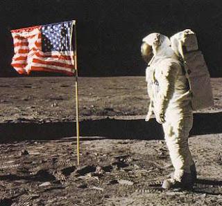 Porque se mueve la bandera en la lunaaa