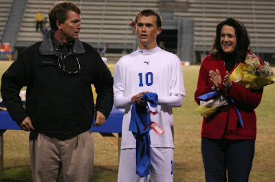 Jake Smith with his parents Jennifer and Todd Smith