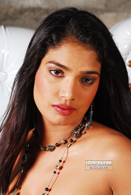 Desi Tamil Hot Masala Actress Ramya Pictures Gallery
