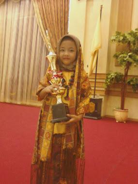 me n trophy