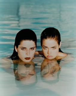 Neve-Campbell-Denise-Richards-in-Wild-Things-Photograph-jpeg
