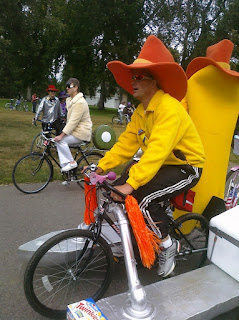 This costume was pretty typical of the ones I saw. There were a couple neat hoop skirts made from bike tires. That was neat and resourceful! & Pirate On Two Wheels: Tour de Fat photo-dump